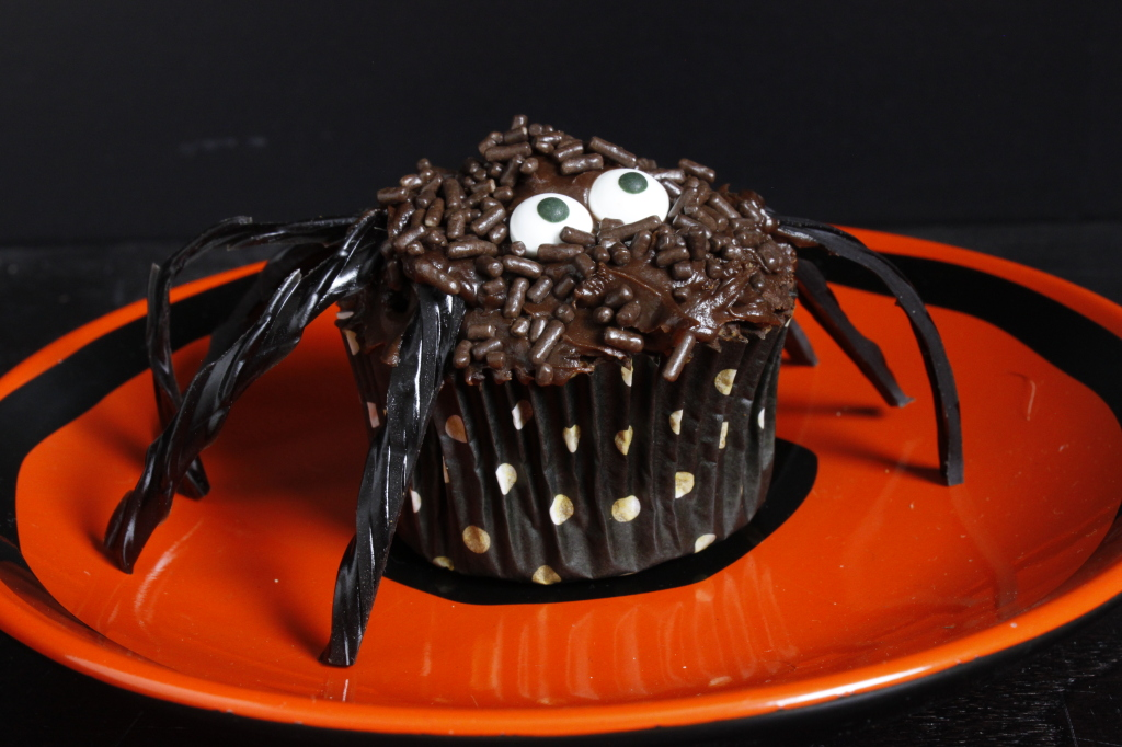Spooky Spider Cupcakes | Moore Cookin'